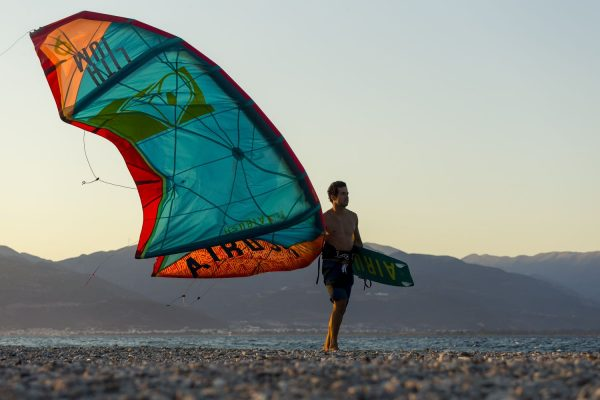 Lithium Core 2018 Airush Kitesurfing Kite Reefer Blue or Acid Orange