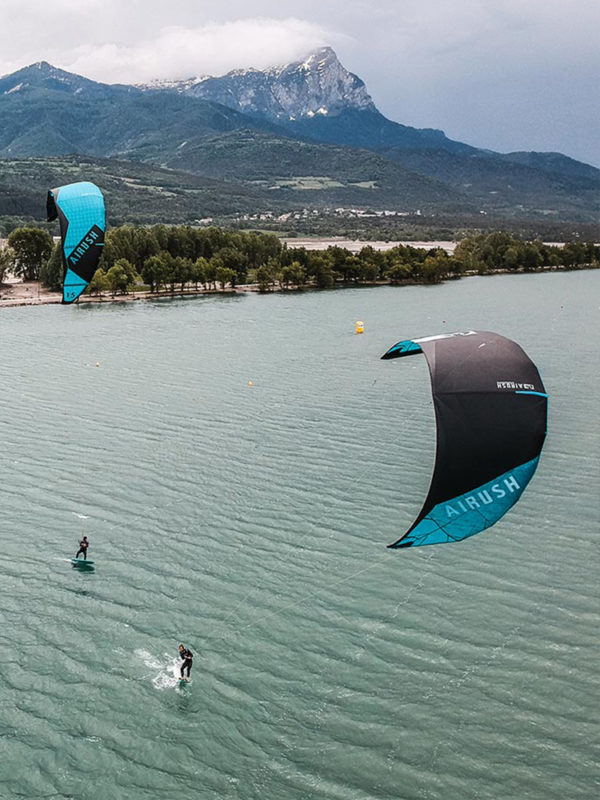Airush Ultra V2 Kitesurfing Kite 2019 with Vantage