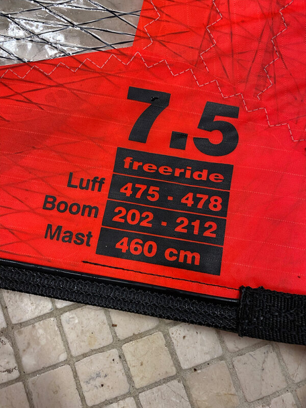Second-Hand-Ezzy-Legacy-7.5m Sail Specs